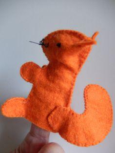 Marionnette à doigt Ecureuil en feutrine orange                                                                                                                                                                                 Plus