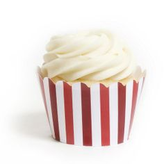 cupcake wrappers stripe www.bloomingtable.com