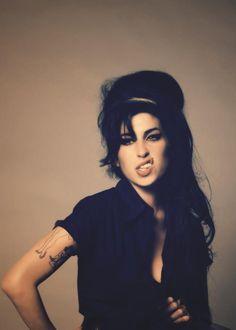 Que mon laferte ni que mis huevos Amy Winehouse es mejor... Tenemos algo en comun. ❤