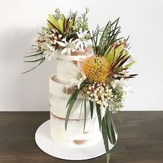 LO V E this nearly-naked beauty by with Australian native blooms by ? Wedding Cakes With Flowers, Table Flowers, Wedding Goals, Wedding Shoot, Wedding Ideas, Flannel Flower, Buttercream Decorating, Australian Native Flowers, Engagement Cakes