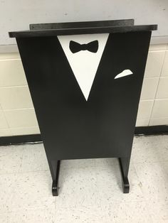 Teacher podium idea, Gatsby classroom theme                                                                                                                                                                                 More