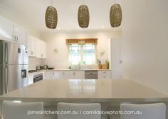 Kitchen design, country kitchen, shaker doors, white kitchen, caesarstone, farmhouse kitchen, kitchen designer, interiors