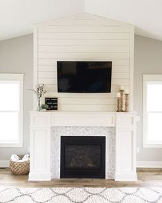46 Gorgeous Modern Farmhouse Fireplace Ideas You Should Copy Now - Home Professional Decoration Tv Above Fireplace, Shiplap Fireplace, Bedroom Fireplace, Farmhouse Fireplace, Home Fireplace, Rustic Fireplaces, Fireplace Remodel, Modern Fireplace, Living Room With Fireplace