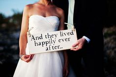 love this happily ever after sign + 13 common wedding planning mistakes