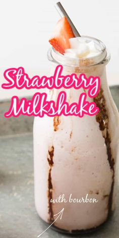This strawberry milkshake is creamy, cool and full of bourbon! This is a sweet adult, boozy, sippable treat! Top it off with a strawberry and serve! Summer Drink Recipes, Best Cocktail Recipes, Drinks Alcohol Recipes, Summer Drinks, Homemade Desserts, Easy Desserts, Delicious Desserts, Dessert Recipes, Homemade Ice