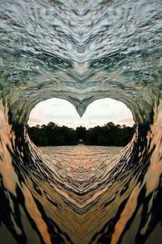 ❤️ HEARTS IN NATURE ❤️ ~ Heart Wave - - Beautiful - but I think this might have been photo shopped, only because I can see the face of an eagle just above the heart.beautiful heart nevertheless. Heart Wave, Love Heart, Beautiful Nature Wallpaper, Beautiful Landscapes, Heart In Nature, Heart Images, Heart Wallpaper, Jolie Photo, Ocean Waves