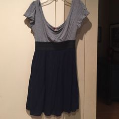 Very Flattering! Navy And Gray Forever 21 Dress.