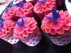 Petal piped cupcakes