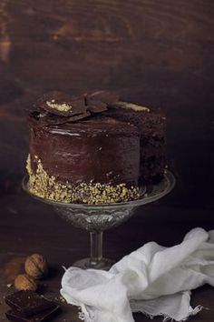 Chocolate and nuts cake Food Cakes, Cupcake Cakes, Cupcakes, Desserts To Make, Delicious Desserts, Cake Recipes, Dessert Recipes, Chocolate Dreams, Brownies