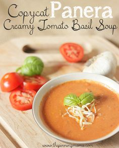 Copycat Panera Tomato Basil Soup Recipe- takes 15 minutes max, and is the best tomatoe soup i have EVER HAD Panera Tomato Basil Soup Recipe, Creamy Tomato Basil Soup, Tomato Basil Soup Crockpot, Quick Tomato Soup, Tomato Basil Bisque, Gluten Free Tomato Soup Recipe, Canned Tomato Soup, Tomato Recipe, Salads