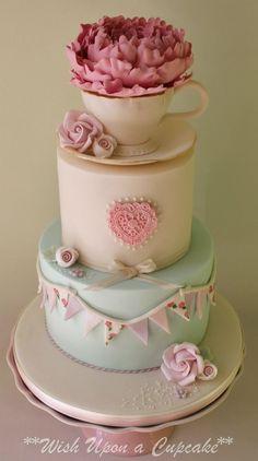 Tea cup/vintage tea party wedding cake