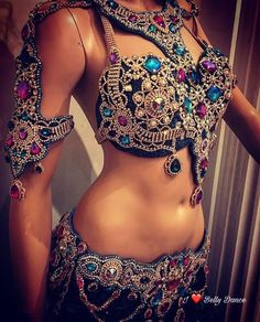 Belly Dancing Classes In Houston Belly Dancer Costumes, Belly Dancers, Dance Costumes, Belly Dance Outfit, Belly Dancing Classes, Tribal Dance, Ballroom Dress, Dance Fashion, Tribal Fashion