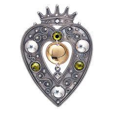 Vakker og norsk. Huldresølv Scandinavian Design, Norway, Folk Costume, Costumes, Silver Jewelry, Hardware, Brooch, Jewels, Crystals