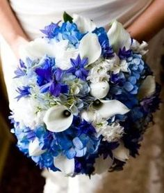 BonnieProjects: Inspiration: Blue and White Wedding Bouquets
