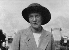 Egon Schiele's lover Wally in Neuzil in 1913.Photo: Egon Schiele Art Centrum.