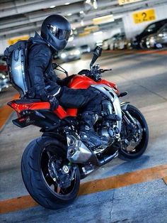 37 Ideas Sport Bike Cbr For 2019 – About Cafe Racers Custom Sport Bikes, Custom Motorcycles, Motorcycle Style, Motorcycle Helmets, Bajaj Motos, Simpson Helmets, Gp Moto, S1000r, Motorcycle Photography
