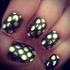 Minx nails gold black