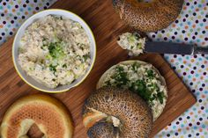 Bagel, My Recipes, Hummus, Nom Nom, Grains, Sandwiches, Food And Drink, Rice, Bread