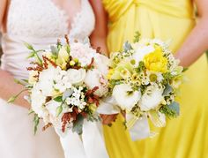 Yellow bridesmaid dresses and highlight flowers