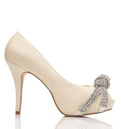 Cream open toe heel featuring diamante knot detail at toe. Sunglasses Accessories, Women's Accessories, Women's Shoes Sandals, Shoe Boots, Shoes World, Walk In My Shoes, Forever New, Wedding Shoes, Wedding Dress
