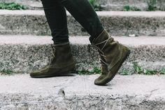 Maje_x_Minnetonka-Suede_Boots-Khaki_Outfit-Vintage_Scarf-Tita_Madrid_Bag-Yellow_Bag-Outfit-Paris-Street_style-Collage_Vintage-50