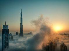 Menuda pasada tiene que ser estar en lo alto de un edificio de estos! :O