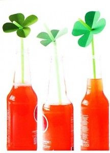 DIY: St. Patrick's Day Straw Toppers #camillestyles #DIY #green #stpattysday #crafts #drinks