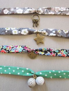 Bracelet-liberty-5 Bracelets Liberty, Ribbon Bracelets, Ribbon Jewelry, Fabric Jewelry, Boho Jewelry, Beaded Jewelry, Jewelery, Diy Jewelry Projects, Jewelry Crafts