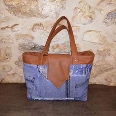 olis_bagages On continue de danser le Madison ! 💃🕺 Pratique, l'intérieur du sac s'organise en 3 parties grâce à une poche séparatrice zippée et dispose également de 2 poches plaquées dont une compartimentée.