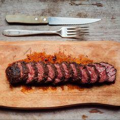 5 bistecche low-cost meglio della fiorentina e del filetto, scommettiamo? Le trovate tutte nel Megastore di BBQ4All
