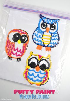 Owl Homemade Puffy Paint Window Decorations - super easy and fun arts and crafts activity for the kids Summer Arts And Crafts, Arts And Crafts For Adults, Arts And Crafts House, Easy Arts And Crafts, Crafts For Boys, Arts And Crafts Projects, Toddler Crafts, Preschool Crafts, Diy For Kids