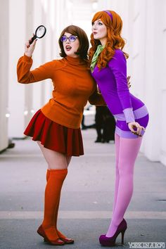 Cosplayers: Reagan Kathryn/Ashlynne Dae. Country: United States. Cosplay: Velma and Daphne from Scooby Doo.
