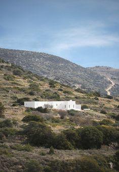 Maison Kamari  / React Architects