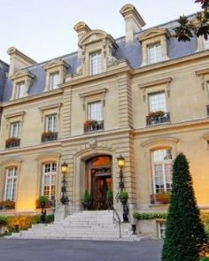 The only chateau hotel in the city, the Saint James Paris unveiled a dramatic makeover in 2011. #Jetsetter