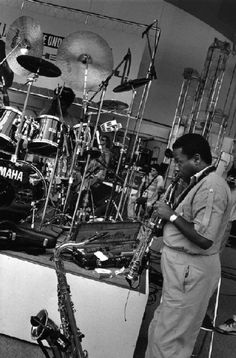 Wayne Shorter Guy Le Querrec Magnum Photos Photographer Portfolio Jazz Artists, Song Artists, Jazz Musicians, Wayne Shorter, Picture Editor, Photographer Portfolio, Weather Report, Jazz Blues, Magnum Photos