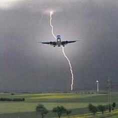 Lightening strikes plane<3