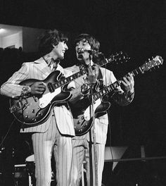 John Lennon & George Harrison onstage at the Olympia Stadium, Detroit, MI 13 August 1966 Photo Credit: Bob Bonis Rock And Roll, Rock & Pop, George Harrison Young, Olympia Stadium, The Beatles Live, Music Rock, Tour Manager, Lady Madonna, Best Guitar Players