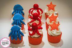 Sweet Cucas and Cupcakes by Rosângela Rolim: Mini Cupcakes e Pop Cakes para o 1 aninho da Carme...