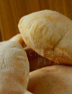 chlebek pita Pizza Recipes, New Recipes, Bread Recipes, Cooking Recipes, Cooking Ideas, Pita Bread, Polish Recipes, Healthy Dishes, Eat Healthy
