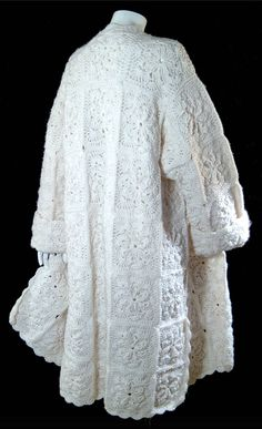 Vintage snow white wool coat - XL Plus - crochet granny square sweater - Plus Ex. : Vintage snow white wool coat – XL Plus – crochet granny square sweater – Plus Extra Large Cardigans Crochet, Poncho Au Crochet, Crochet Jacket, Crochet Cardigan, Crochet Clothes, Knitting Sweaters, Poncho Shawl, Wool Sweaters, Beau Crochet