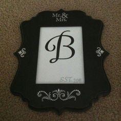 Framed monogram (gift)