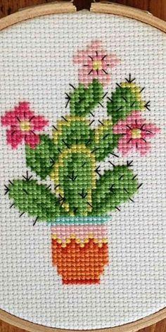 Cactus Cross Stitch, Cross Stitch Pillow, Cross Stitch Heart, Simple Cross Stitch, Cross Stitch Flowers, Cross Stitching, Cross Stitch Embroidery, Embroidery Patterns, Cross Stitch Quotes