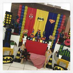 Homem Aranha, Batman e Superman, todos reunidos na festa do herói Paulinho, filho da Vânia e do Atílio Padela! #herois #festamenino #kidsparty #ratchimbum #novaodessa