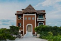 Home in Sisal, Yucatan, Mexico – The cost to rent a home in the Yucatan Peninsula varies depending on the type of house and the area where it is located. If you go to areas like Cancun or Playa del Carmen, that is a completely different market than in other areas.