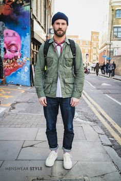 This is Olli on the streets of London wearing White Canvas Trainers, Selvedge Denim Jeans, Olive Field Jacket, and Navy Fisherman Beanie. Jeans Denim, Denim Jacket Men, Man Jacket, Olive Jacket Outfit, Beanie Outfit, Look Street Style, Men Street, Streetwear, Mens Fashion