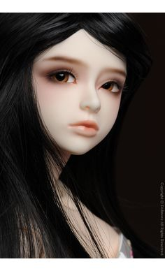Socheon by Dollmore. No name yet, but I do know I want her. On the Dollmore Youth body. Perhaps a classy & elegant lady? Or a quiet bookworm? Hm.