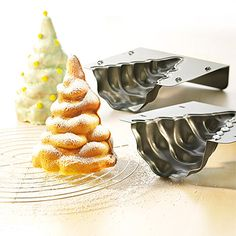 3D christmas tree baking mould. 19.99£