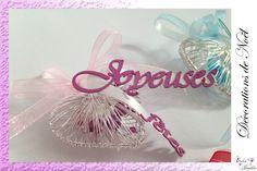 Décoration de Noël: Cœur à suspendre. Choisissez votre message et vos couleurs Creations, Personalized Gifts, Greeting Card, Colors