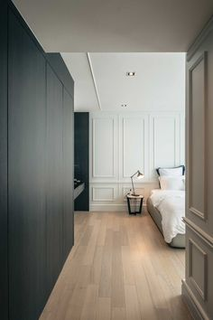 In this Bangkok apartment, the team behind design studio Anonym shaped a classy interior for a stylish client Modern Classic Bedroom, Modern Classic Interior, Luxury Interior, Interior Architecture, Home Room Design, Bathroom Interior Design, House Design, Neoclassical Interior, Single Bedroom
