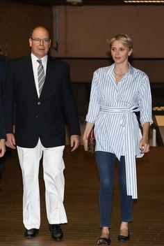 Le Prince Albert et la Princesse Charlène dimanche 6 juin ont assisté à la finale du meeting International de Natation de Monte - Carlo.